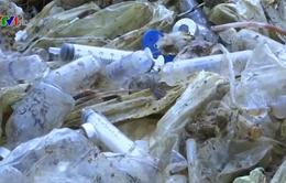 Bộ Y tế yêu cầu làm rõ việc BV Đà Bắc chôn lấp rác thải y tế nguy hại