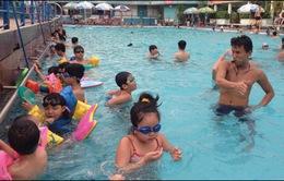 Tuổi nào thích hợp cho trẻ học bơi?