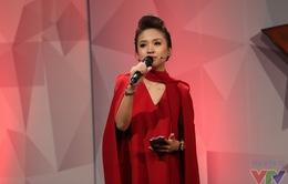 Thanh Vân Hugo khoe tài ca hát trong Muôn màu Showbiz