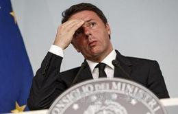 Thủ tướng Italy Matteo Renzi hoãn từ chức