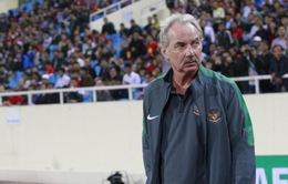 Chê chất lượng sân nhà, HLV Riedl làm phật lòng LĐBĐ Indonesia