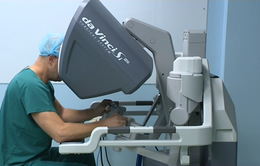 Lần đầu sử dụng robot trong phẫu thuật nội soi tại Việt Nam