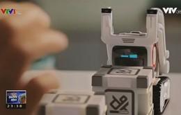 Cozmo - Robot cảm xúc tương tác với con người