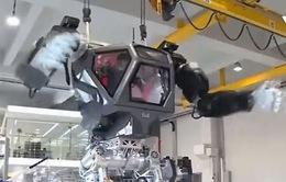 Thử nghiệm robot khổng lồ giống người