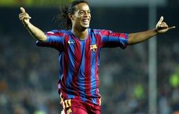 """Barcelona tái """"kí hợp đồng"""" với Ronaldinho"""