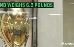 Nhật Bản giới thiệu bóng rugby bằng vàng trị giá hơn 80 tỷ đồng