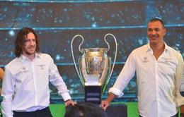 Gullit và Puyol ấn tượng với lòng mến khách của người hâm mộ Việt