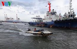 Tàu biển đâm chìm sà lan, nữ thuyền trưởng mất tích