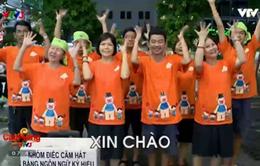 """Nhóm câm điếc TP.Hồ Chí Minh say sưa """"hát bằng tay"""""""
