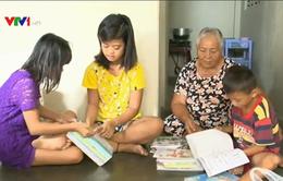 Hỗ trợ trẻ em làng biển Phú Yên đến trường