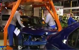 Ngành sản xuất ô tô của Nga vật lộn trong khủng hoảng kinh tế