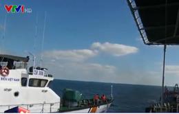 Bắt 6 tàu sang mạn dầu trái phép trên vùng biển Tây Nam
