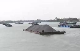 Nỗ lực khắc phục giao thông đường thủy sau sự cố sập cầu Ghềnh