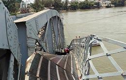Sập cầu Ghềnh do thuyền trưởng vi phạm quy tắc giao thông đường thủy