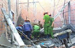 Bình Định: Sập nhà đang thi công, 8 người thương vong