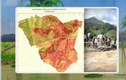 Bàn giao bản đồ phân vùng, cảnh báo nguy cơ trượt lở đất đá tại Lào Cai