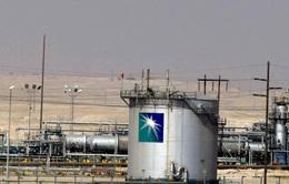 Saudi Aramco không cắt giảm sản lượng dù giá dầu xuống đáy