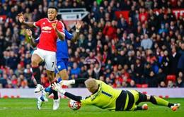 Man Utd bị trọng tài tước phạt đền trong trận hòa Leicester