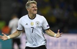 Schweinsteiger trở lại giúp tuyển Đức yên tâm về hàng tiền vệ