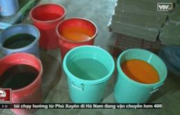 Giật mình tận mắt chứng kiến quy trình sản xuất nước ngọt giá rẻ
