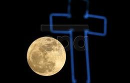 Thế giới hào hứng chiêm ngưỡng siêu trăng