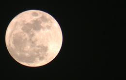 Người dân cả nước hào hứng ngắm siêu trăng lớn nhất 68 năm