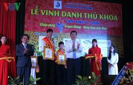 Vinh danh Thủ khoa Đại học Đà Nẵng lần thứ 5