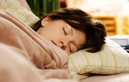 Ngủ quá nhiều hại ngang hút thuốc lá