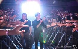 4.000 fan vỡ òa trong sung sướng khi được gặp Song Joong Ki