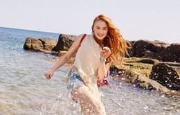 Mỹ nhân Game of Thrones tràn đầy năng lượng trên bãi biển