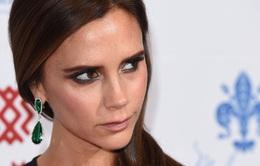 """""""Bật mí"""" lý do Victoria Beckham nói lời chia tay với giày cao gót"""