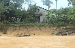 Quảng Ngãi: Sạt lở nghiêm trọng ở suối Nang