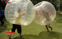 Đụng bóng: Trò chơi hài hước, vui nhộn thu hút giới trẻ