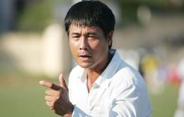 VFF ký hợp đồng với HLV Hữu Thắng bằng… miệng