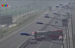 Phạt 7,5 triệu đồng tài xế xe khách đi ngược chiều trên cao tốc Hà Nội - Hải Phòng
