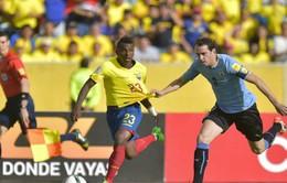 Uruguay 2-1 Ecuador: Suarez im hơi, chủ nhà vẫn thắng