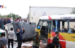 Quảng Bình: Tai nạn liên hoàn tại Lệ Thủy, 3 xe hư hỏng nặng