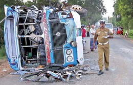 Tai nạn trên đường cao tốc ở Sri Lanka,  hơn 30 người thương vong