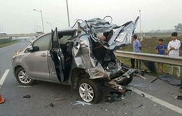 Khắc phục hậu quả vụ tai nạn giao thông trên cao tốc Hà Nội - Thái Nguyên