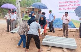 Ủng hộ tấm lợp cho bà con bị ảnh hưởng mưa lốc tại Nghệ An