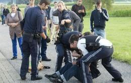 Tấn công bằng dao trên tàu hỏa ở Áo
