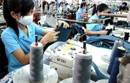 Hàng nghìn công nhân ngừng việc vì bức xúc tiền lương