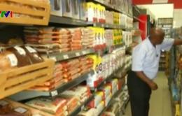 """Chuỗi bán lẻ """"nuốt"""" dần các cửa hàng tạp hóa ở Nam Phi"""