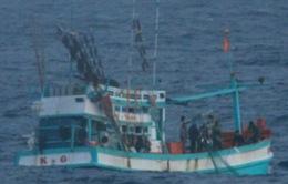 Hải quân Malaysia bắt giữ tàu cá cùng 12 ngư dân Việt Nam