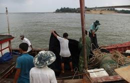 Tàu chở 44 người chìm ở Quảng Trị không được phép chở khách