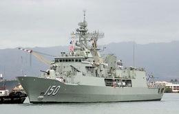 Tàu Hải quân Hoàng gia Australia thăm TP.HCM