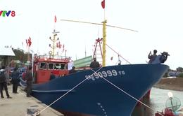 Quảng Nam bàn giao thêm tàu vỏ thép đóng mới cho ngư dân