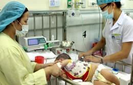Gia tăng số trẻ mắc tay chân miệng tại Hà Nội và TP.HCM