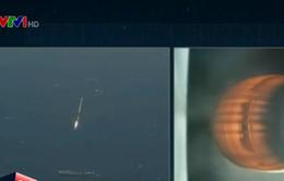 Tên lửa đẩy SpaceX lần đầu tiên hạ cánh thành công trên biển