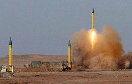 Iran phóng tên lửa đạn đạo phô trương sức mạnh